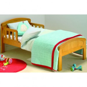 Дизайн кровати с плавными линиями