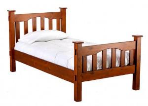 Детская кровать в готическом стиле
