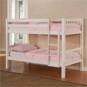 Двухъярусная кровать нежно белого цвета