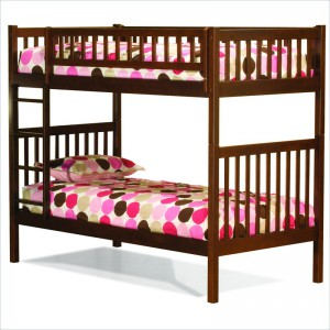 Модель недорогой двухъярусной кровати
