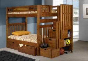 Двухъярусная кровать с лесенкой-ящиками
