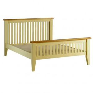 Недорогая кровать с оригинальными спинками
